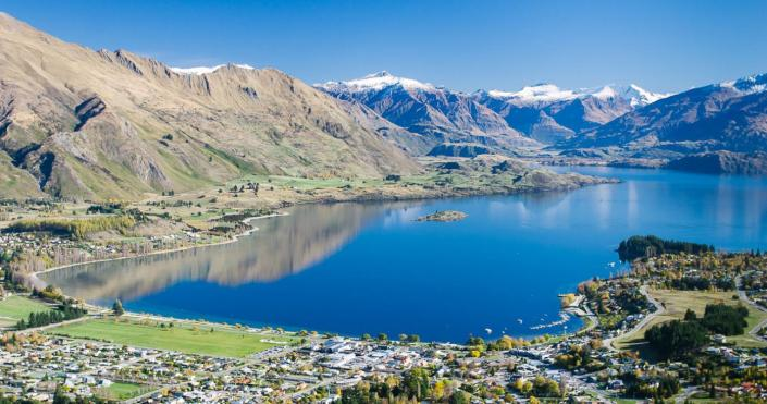 15.LakeWanaka-view-over-town-SD.jpg